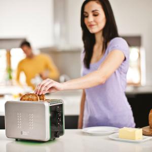 russell-hobbs-illumina-black-silver-toaster